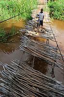 TANZANIA, Korogwe, hanging bridge in Kwalukonge / TANSANIA, Korogwe, Haengebruecke in Kwalukonge