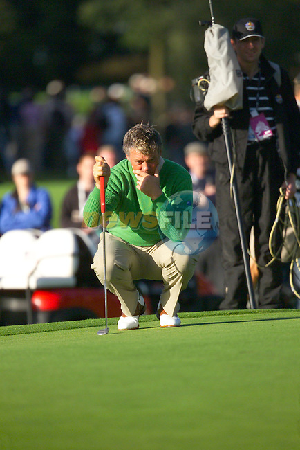 Straffin Co Kildare Ireland. K Club Ruder Cup...European Ryder cup team member Darren Clarke on the 1st green on the  opening fourball session on the first day of the 2006 Ryder Cup, at the K Club in Straffan, Co Kildare, in the Republic of Ireland, 22 September 2006..Photo: Eoin Clarke/ Newsfile.<br />