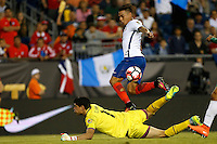 Action photo during the match Chile vs Bolivia at Gillette Stadium Copa America Centenario 2016. ---Foto  de accion durante el partido Chile vs Bolivia, En el Estadio Gillette, Partido Correspondiante al Grupo - D -  de la Copa America Centenario USA 2016, en la foto: (i)-(d) Carlos Lampe, Eduardo Vargas<br /> <br /> --- 10/06/2016/MEXSPORT/PHOTOSPORT/ Andres Pina