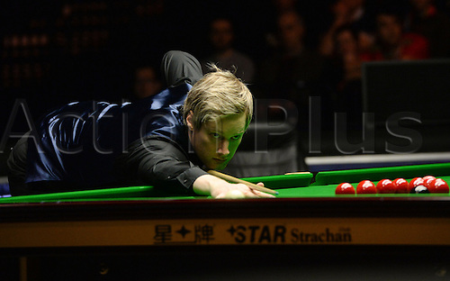 19.02.2016. Cardiff Arena, Cardiff, Wales. Bet Victor Welsh Open Snooker. Neil Robertson versus Ding Junhui. Neil Robertson pots the black.
