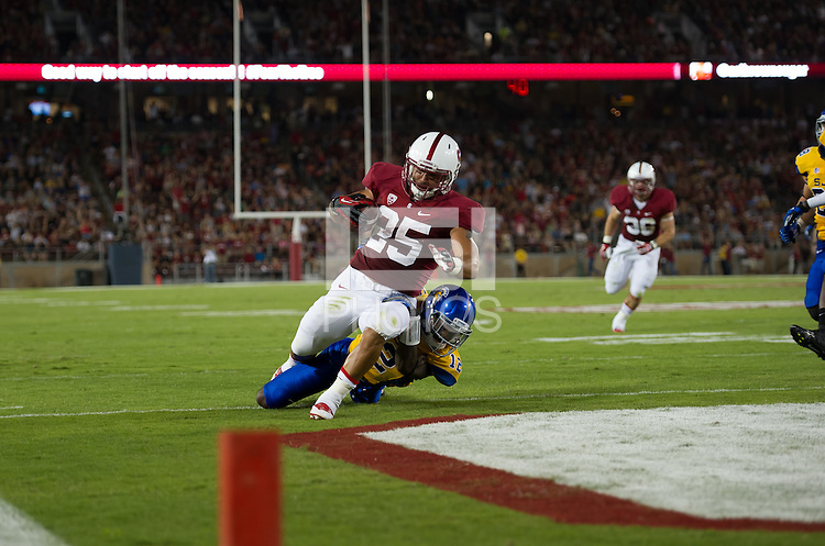 Stanford, California, 09-07-2013: Stanford's Tyler Gaffney During the Stanford Cardinal vs San Jose State Spartans football game at Stanford Stadium on Saturday night.