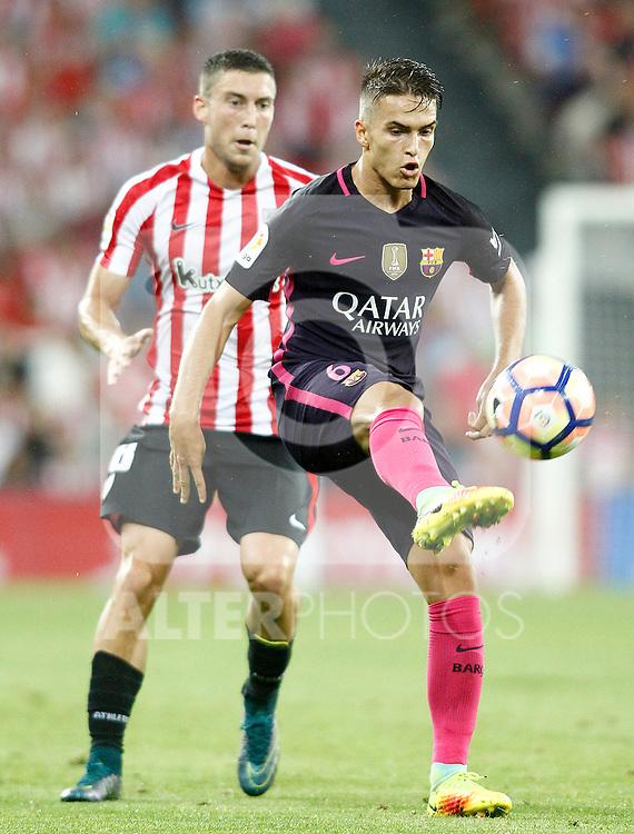 Athletic de Bilbao's Oscar de Marcos (l) and FC Barcelona's Denis Suarez during La Liga match. August 28,2016. (ALTERPHOTOS/Acero)