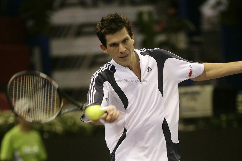 Photo: Barry Bland..Madrid Masters. .18/10/2005..Tim Henman in action against Taylor Dent.