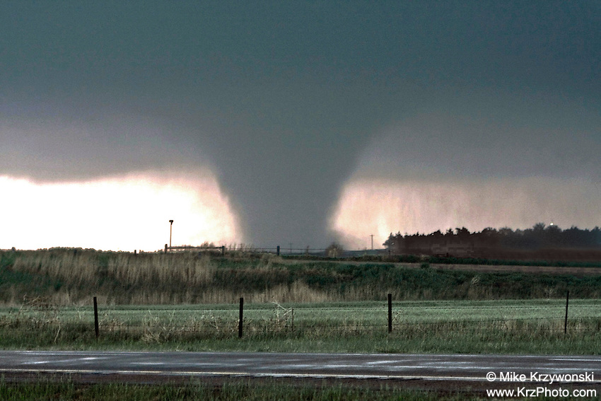 Tornado in Quinter, KS, May 23, 2008