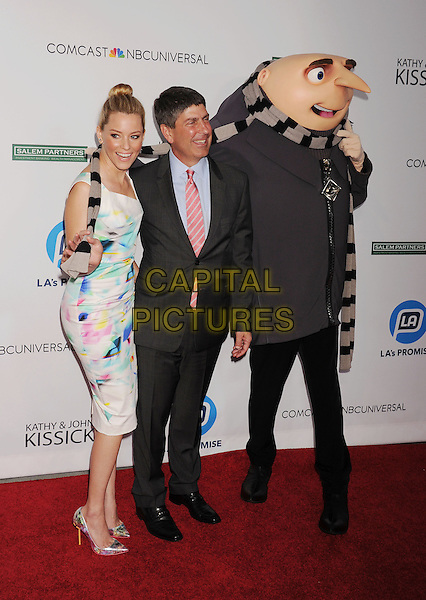 UNIVERSAL CITY, CA- SEPTEMBER 30: Actress Elizabeth Banks (L) and Honoree, Universal Filmed Entertainment Chairman Jeff Shell attend the 2014 LA's Promise Gala honoring exemplary advocates of education at The Globe Theatre at Universal Studios on September 30, 2014 in Universal City, California.<br /> CAP/ROT/TM<br /> &copy;TM/ROT/Capital Pictures