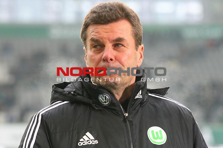 25.01.2014, Volkswagen Arena, Wolfsburg, GER, 1.FBL, VfL Wolfsburg vs Hannover 96, im Bild ein ent&auml;uschter Dieter Hecking (Trainer Wolfsburg)  (Emotionen) (Enttaeuschung) (Niederlage)<br /> <br /> Foto &copy; nph / Schrader