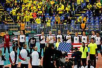 CURITIBA,PR, - 08.07.2017 – CANADÁ-EUA -  Partida entre Canadá (preta) e EUA (branca), jogo válido pela dispusta do terceiro lugar da liga mundial de vôlei no estádio Arena da Baixada, em Curitiba neste sábado (08).(Foto: Paulo Lisboa/Brazil Photo Press)