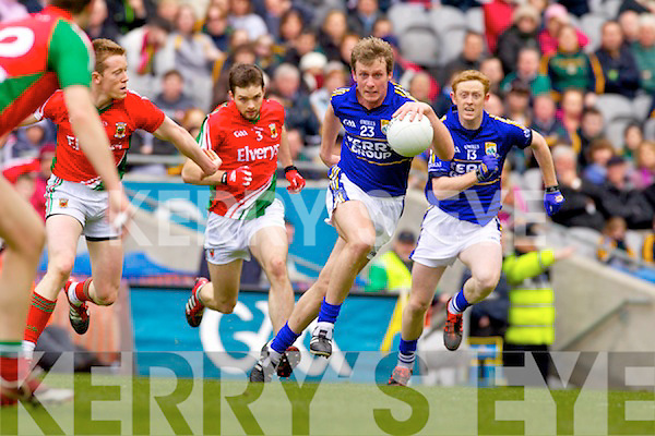 Donnchadh Walsh Kerry in action against Donal Vaughan Mayo in the National Football League Semi Final at Croke Park on Sunday.