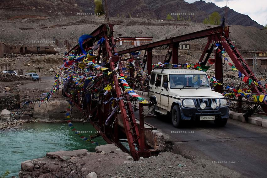 Pre-season Jeep road trip from Delhi to Amritsar, Srinagar, Kargil, Lamayuru, Leh, Khardung La, Tso Moriri and back to Delhi in May 2010. Photo by Suzanne Lee.