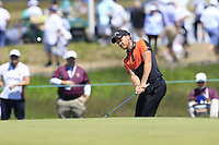 Danny Willett (ENG) chips onto the 13th green during Thursday's Round 1 of the 118th U.S. Open Championship 2018, held at Shinnecock Hills Club, Southampton, New Jersey, USA. 14th June 2018.<br /> Picture: Eoin Clarke | Golffile<br /> <br /> <br /> All photos usage must carry mandatory copyright credit (&copy; Golffile | Eoin Clarke)