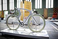 Berlin, Ein Fahrrad beim DMY International Design Festival, am Freitag (07.06.13) in ehemaligen Flughafen Tegel. Festival findet von Mittwoch (05.06.13) bis Sonntag (09.06.13) statt. Foto: Maja Hitij/CommonLens
