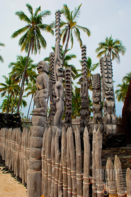 Tiki at Pu`uhonua (City of Refuge) O Hōnaunau, Kona coast, Big Island