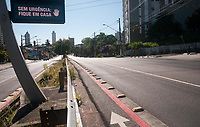 SAO PAULO, SP, 23.03.2020: Transito -  Vista da Avenida Corifeu de Azevedo Marques na manha desta segunda - feira (23). (Foto: Roberto Costa/Codigo 19/Codigo 19)