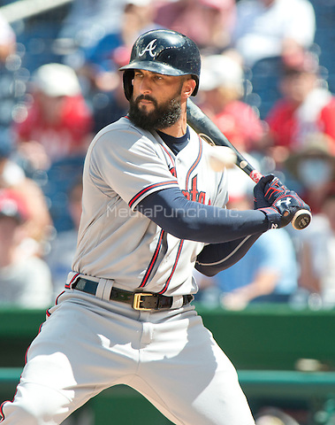 Atlanta Braves right fielder Nick Markakis (22) bats in the fourth inning against the Washington Nationals at Nationals Park in Washington, D.C. on Sunday, August 14, 2016.<br /> Credit: Ron Sachs / CNP/MediaPunch