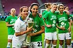 01.05.2019, RheinEnergie Stadion , Köln, GER, DFB Pokalfinale der Frauen, VfL Wolfsburg vs SC Freiburg, DFB REGULATIONS PROHIBIT ANY USE OF PHOTOGRAPHS AS IMAGE SEQUENCES AND/OR QUASI-VIDEO<br /> <br /> im Bild | picture shows:<br /> Sara Doorsoun (VfL Wolfsburg #23) jubelt mit dem Pokal, Anna Blaesse (VfL Wolfsburg #9) und der Mannschaft des VfL,  <br /> <br /> Foto © nordphoto / Rauch