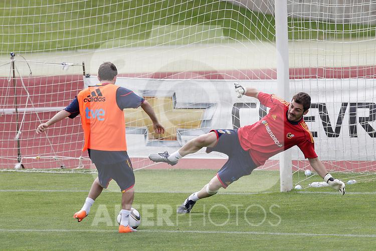 MADRID (25/05/09).- The Spanish Soccer national training session.  Iker Casillas...PHOTO: Cesar Cebolla / ALFAQUI