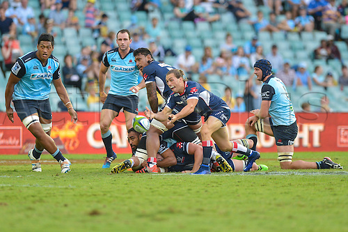 03.04.2016.  Allianz Stadium, Sydney, Australia. Super Rugby. NSW Waratahs versus Melbourne Rebels. Rebels flanker Jordi Reid passes. The Rebels won 21-17.