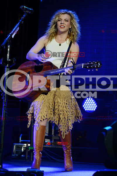 WEST PALM BEACH - SEPTEMBER 29:  Kimberly Perry of The Band Perry performs at the Cruzan Amphitheatre on September 29, 2012 in West Palm Beach, Florida.©Êmpi04/MediaPunch Inc. /NortePhoto