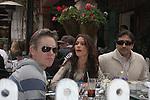 AbilityFilms@yahoo.com 805-427-3519 www.AbilityFilms.com 3-2-08 Sofia vergara eating lunch at the ivy in hollywood