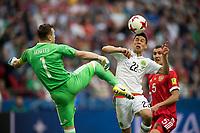 KAZAN, RUSSIA, 24.06.2017 - MEXICO-RUSSIA - Hirving Lozano (D) do México durante partida contra a Russia pela terceira rodada da Copa das Confederações na Arena Kazan na Russia neste sábado 24. (Foto: Etzel Espinosa/Brazil Photo Press)