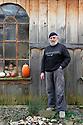10/01/12 - BLESLE - HAUTE LOIRE - FRANCE - Jean-Jacques GENTIL potier a l Atelier de la Source - Photo Jerome CHABANNE