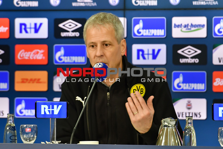 08.12.2018, Veltins-Arena, Gelsenkirchen, GER, 1. FBL, FC Schalke 04 vs. Borussia Dortmund, DFL regulations prohibit any use of photographs as image sequences and/or quasi-video<br /> <br /> im Bild Lucien Favre (Borussia Dortmund) in der Pressekonferenz<br /> <br /> Foto &copy; nordphoto/Mauelshagen