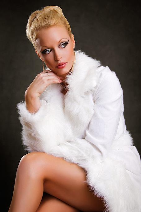 model: Laura Deal
