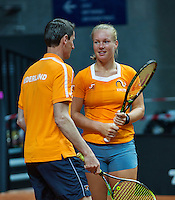 2016, 12 April, Arena Loire, Tr&eacute;laz&egrave;,  Semifinal FedCup, France-Netherlands, Captain Paul Haarhuis and Kiki Bertens<br /> Photo:Tennisimages/Henk Koster