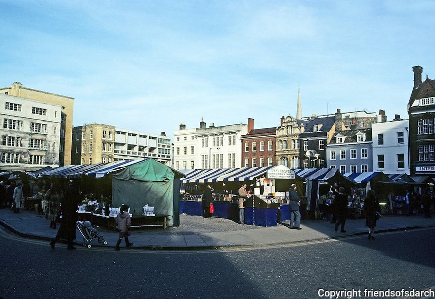 Cambridge: The Market. Photo '82.