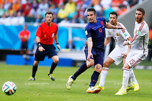 Robin van Persie (NED), Sergio Ramos (ESP), JUNE 13, 2014 - Football / Soccer : FIFA World Cup Brazil 2014 Group B match between Spain 1-5 Netherlands at Arena Fonte Nova in Salvador, Brazil. (Photo by D.Nakashima/AFLO)