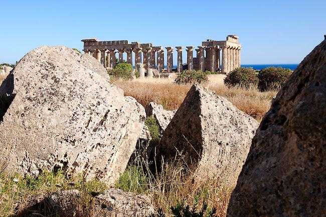 Greek Dorik Temple ruins of Temple F at Selinunte, Sicily Greek Dorik Temple columns of the ruins of the Temple of Hera, Temple E, Selinunte, Sicily