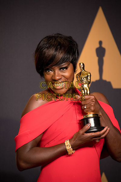 Viola Davis poses backstage with the Oscar&reg; for Performance by an actress in a supporting role, for work on &ldquo;Fences&rdquo; during the live ABC Telecast of The 89th Oscars&reg; at the Dolby&reg; Theatre in Hollywood, CA on Sunday, February 26, 2017.<br /> *Editorial Use Only*<br /> CAP/PLF/AMPAS<br /> Supplied by Capital Pictures