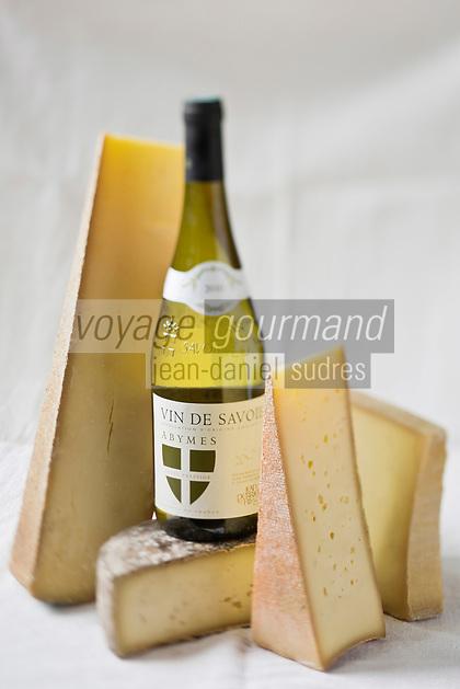 Gastronomie/ Fromages des Savoies pour la fondue savoyarde: AOP Beaufort, AOP Comté, AOP Abondance et Tomme de Savoie et Vin de Savoie: Abymes