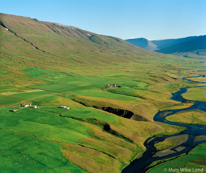 Öxnafell og Fellshlíð séð til suðurs, Eyjafjarðarsveit áður Saubæjarhreppur / Oxnafell and Fellshlid viewing south, Eyjafjardarsveit former Saurbaejarhreppur.