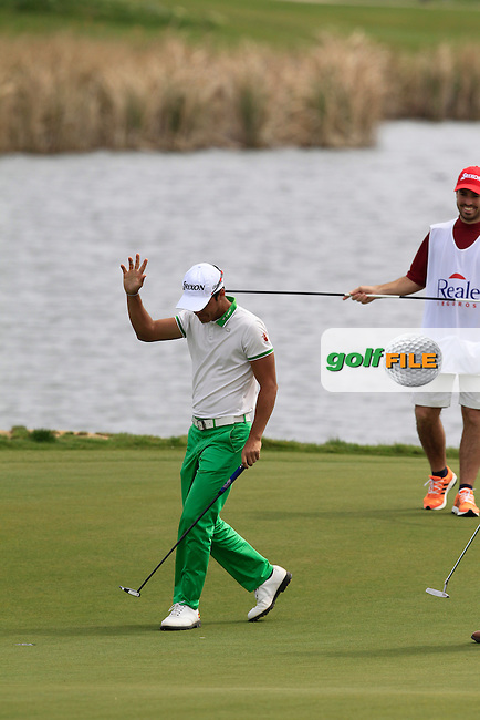 Borja Virto Astudillo (ESP) on the 18th green during Round 2 of the Challenge de Madrid, a Challenge  Tour event in El Encin Golf Club, Madrid on Thursday 23rd April 2015.<br /> Picture:  Thos Caffrey / www.golffile.ie