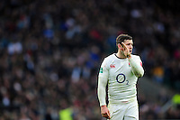 Elliot Daly of England has a word with his back line. Old Mutual Wealth Series International match between England and South Africa on November 12, 2016 at Twickenham Stadium in London, England. Photo by: Patrick Khachfe / Onside Images