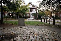 1995 November 06..Conservation.Ghent (R-43)..STOCKLEY GARDENS...NEG#.NRHA#..