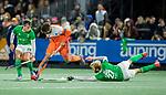 AMSTELVEEN - Valentin Verga (Ned) met Conor Harte (IRE)  de hockeyinterland Nederland-Ierland (7-1) , naar aanloop van het WK hockey in India.  COPYRIGHT KOEN SUYK