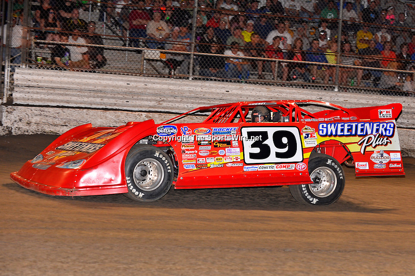 Feb 20, 2014; 7:00:49 PM;  Barberville, FL, USA;  World of Outlaws Late Model Series for 43rd Annual DIRTcar Nationals presented by Summit Racing Equipment at Volusia Speedway Park.  Mandatory Credit: (thesportswire.net)