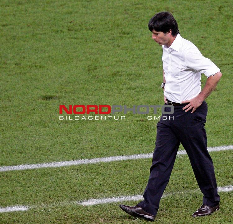 UEFA Euro 2008  Finale - Spanien Europameister 2008<br /> <br /> Vienna - Ernst Happel Match 32<br /> Deutschland ( GER ) - Spanien ( ESP ) 0:1<br /> <br /> Blick nach unten Joachim Loew (L&ouml;w) - ( Germany / Trainer / Coach / )<br /> <br /> <br /> Foto &copy; nph (  nordphoto  )<br /> <br /> <br /> <br />  *** Local Caption ***