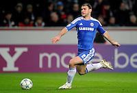 FUSSBALL   CHAMPIONS LEAGUE   SAISON 2011/2012   GRUPPENPHASE Bayer 04 Leverkusen - FC Chelsea    23.11.2011 Branislav Ivanovic (Chelsea) Einzelaktion am Ball