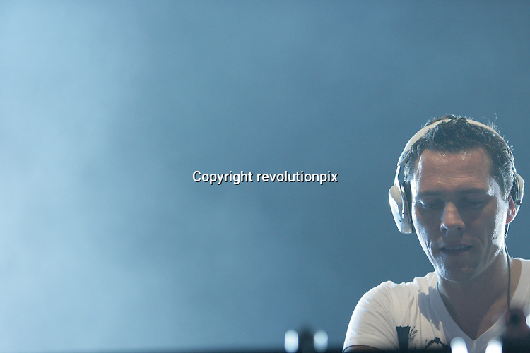 Tiesto <br /> Los Angeles<br /> November 25 2009<br /> Michiel Verwest, a.k.a. Tiesto playing live at The Shrine Auditorium in Los Angeles while  touring  his fourth studio album, Kaleidescope<br /> ID revpix91125991