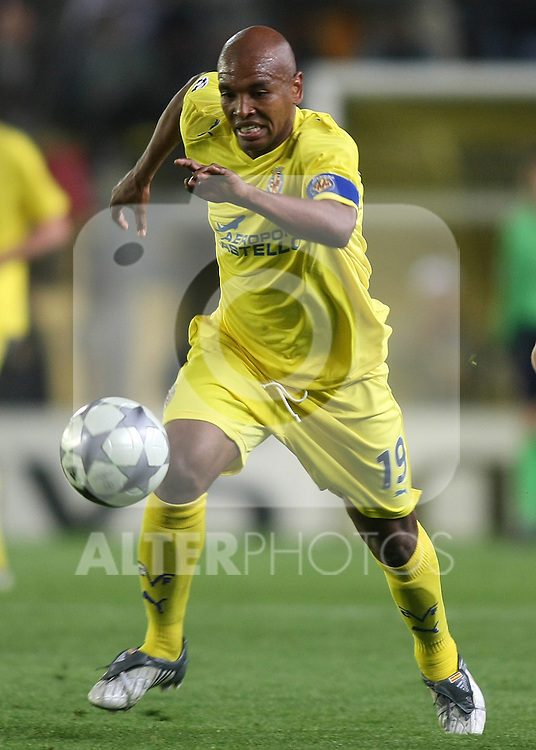 Villareal's Marcos Senna during the UEFA Champiosn League match.April 7 2009. (ALTERPHOTOS/Acero).
