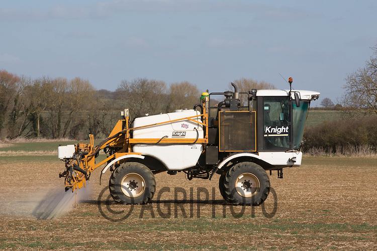 Knight sprayer spraying for Black-Grass<br /> Picture Tim Scrivener 07850 303986