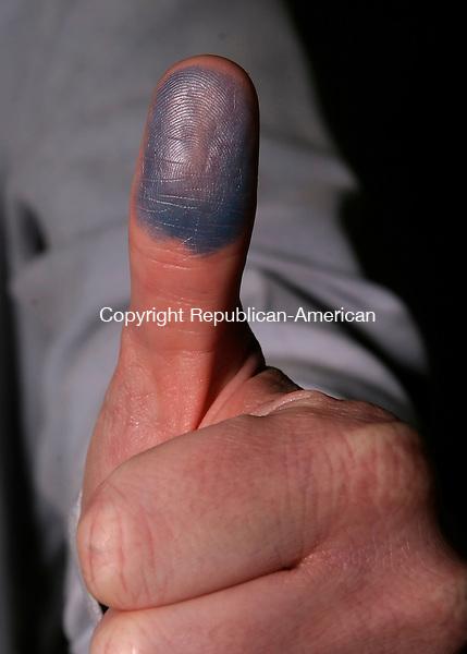 WATERBURY, CT--05 APRIL 2007--040507JS15-Thumb for illustration.<br /> Jim Shannon / Republican-American