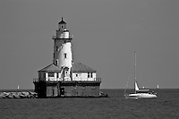 A black and white view of the Chicago lighthouse