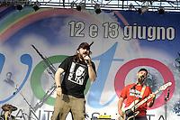 Roma, 10 Giugno 2011.Piazza del Popolo.Io Voto! In piazza per la fine della campagna referendaria su nucleare, acqua pubblica e legittimo impedimento..Nella foto:Piotta
