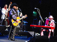 The Mavericks perform to an excited crowd at The Majestic Theatre on Saturday Night.(Special to the Star-Telegram/Rachel Parker)