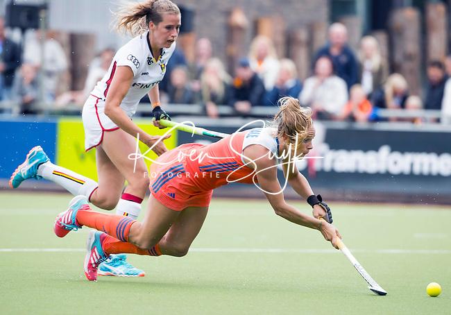 SCHIEDAM - Kitty van Male (Ned) met Aline FOBE  (Bel)   tijdens een oefenwedstrijd tussen  de dames van Nederland en Belgie  (0-1), in aanloop naar het  EK Hockey, eind augustus in Amstelveen. COPYRIGHT  KOEN SUYK