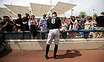 San Francisco Giants' Hunter Pence signs autographs before a spring training game against the Milwaukee Brewers in Phoenix, AZ, on Thursday, March 23, 2017.<br /> Photo by Cathleen Allison/Nevada Photo Source